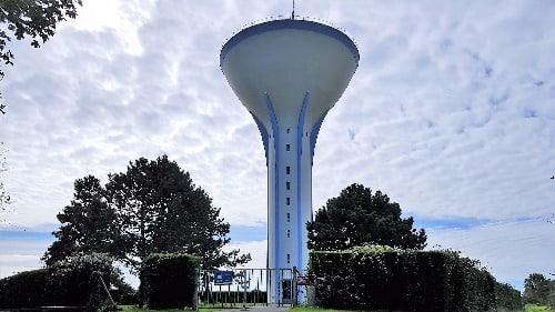 Le château d'eau d'Yzengremer